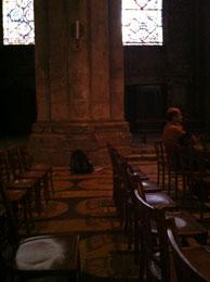 le labyrinthe est recouvert de chaises le 21 juin 2011